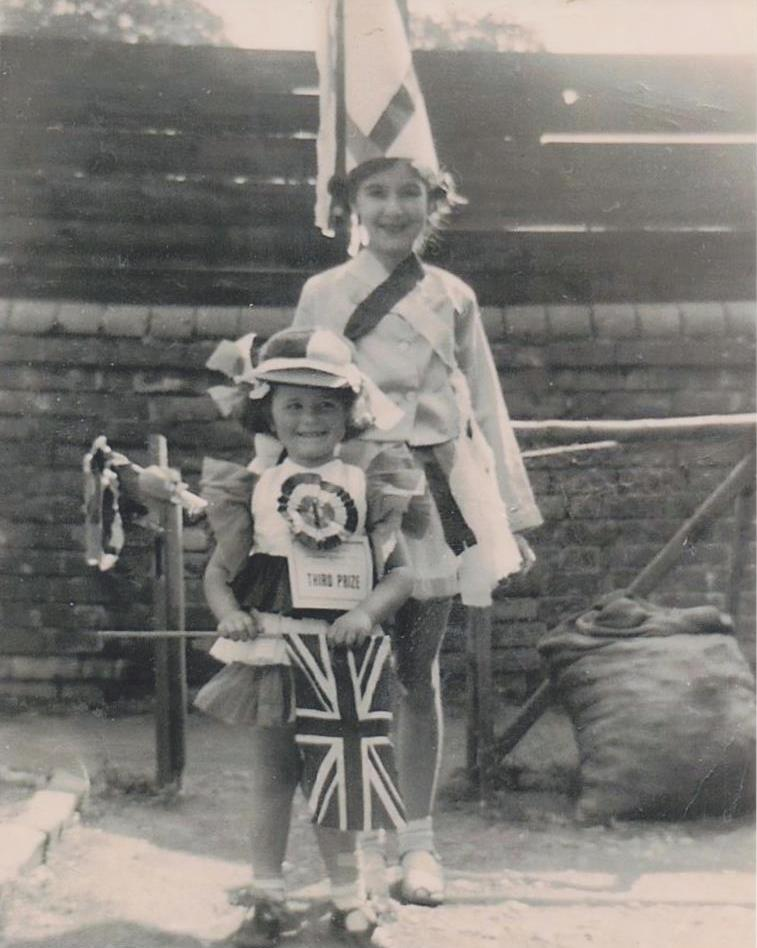 [1953 Fancy Dress Competition]